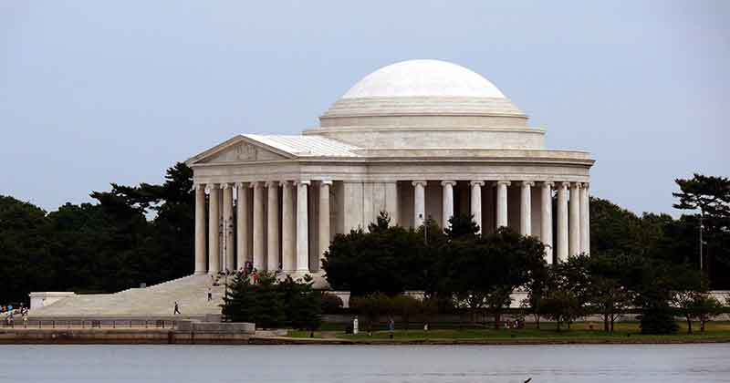 Thomas-Jefferson-Memorial-